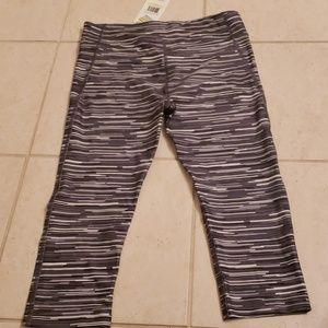 Under Armour Pants - Women's Under Armour compression rights. NWT. Med.